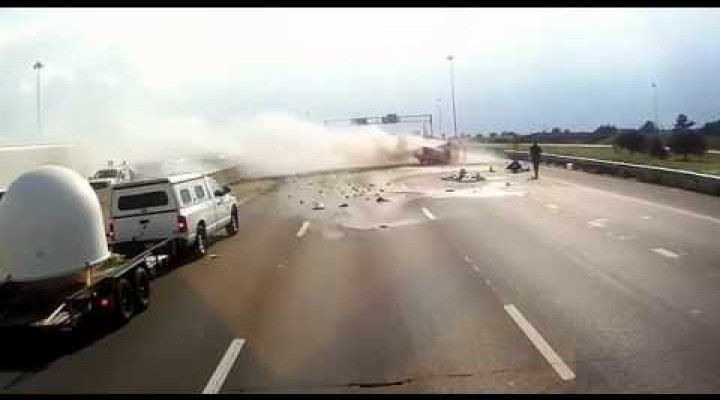 Trucker save people in a highway accident